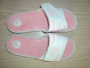 New Womens Adidas Sandals Size: 8