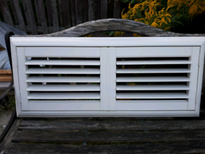 California Shutters Excellent Condition