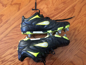 Ladies Mitre Rugby cleats