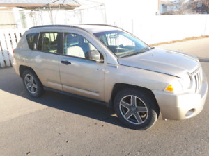 2009 Jeep Compass 4×4 With (130 km) only
