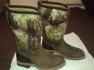 Camo steel toe cow boy boot