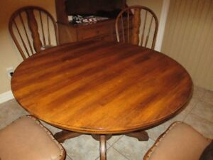 Dining Room Table with Leaf and 4 Chairs