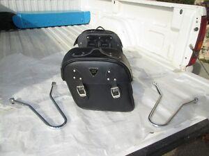 01> Triumph Bonneville Saddle Bag Kit