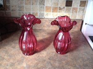 Deux vases à fleur