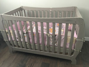 Shabby chic painted crib with mattress and all beddings