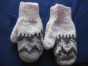 NEW: ONE SET OF MEDIUM AND ONE SET OF LARGE MITTENS