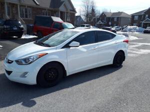 Hyundai elantra GLS 2013 Tout équipée