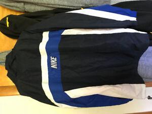 Vintage Nike jaket size large (10/10 condition)