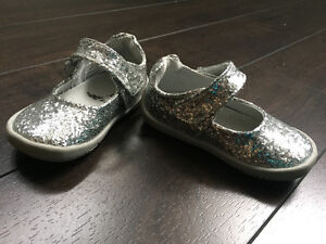Baby PediPed MJ Silver glitter shoes size 19 (4-4.5)