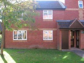 Ground floor garden flat in central Glastonbury. 1 bedroom, living room, kitchen, bathroom.
