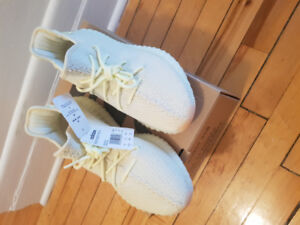 Yeezy 350 Butter. Never worn - size 10 US