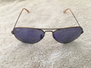 New authentic Ray Ban aviators Gold with blue gradient lens