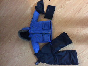 Toddler snowsuit Oshkosh 2t