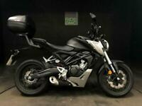 HONDA CB125R 2020. ONLY 1912 MILES. SERVICED. TOP BOX. 1 OWNER.