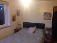 Spacious double room North Finchley AVAILABLE 1ST APRIL