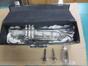 TRUMPET with CASE. NICE!