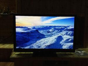 """50"""" Panasonic plasma tv(2011)"""