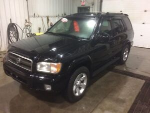 2002 Nissan Pathfinder LE SINGLE FAMILY OWNED