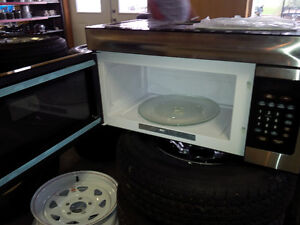 LARGE OVER THE RANGE HIGH POINTE MICROWAVES London Ontario image 4