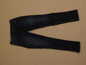 Plenty of jeans for sale - sizes 25-26