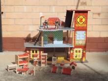 KIDS WOODEN FIRE HOUSE Para Hills Salisbury Area Preview
