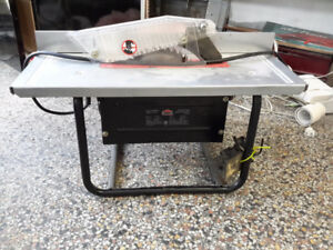 PORTABLE TABLE SAW 8 1/4 BLADE BY JOBMATE  SELDOM USED ONLY 20.0