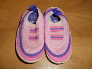 Pink Water Shoes size 7 - NEW Price