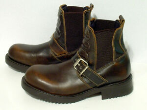 VooDoo Italian Leather Boots - size 8