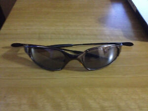 Oakley Juliets Sunglasses Good Condition, Copy, 45$ West Island Greater Montréal image 4