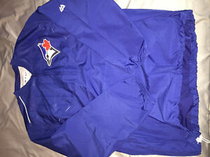 Toronto Blue Jays Pullover OFFICIAL merchandise.