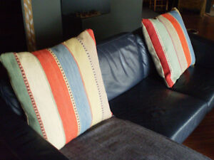 """Tapis en laine 52"""" x 71"""" wool carpet West Island Greater Montréal image 4"""
