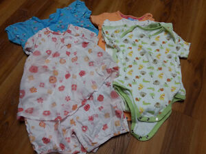 Lot of girl summer clothes - size 24 months