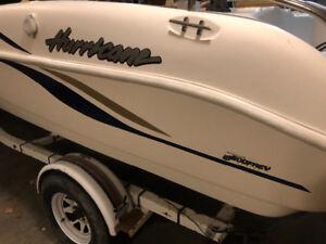 2007 Hurricane deck boat