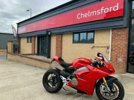 Ducati PANIGALE V4 S 67 Reg only 2100 miles Stunning Superbike motorcycle