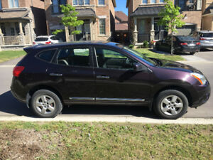 2012 Nissan Rogue 4dr -Accident free - Looks and Runs Great