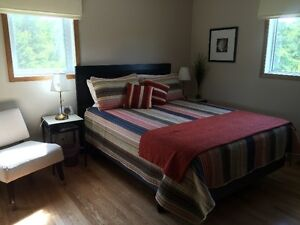 Sunny,private room/bath in beautiful rural setting (short term)