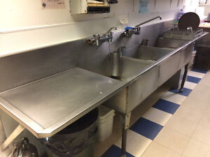 Restaurant 3 compartment stainless steel sink