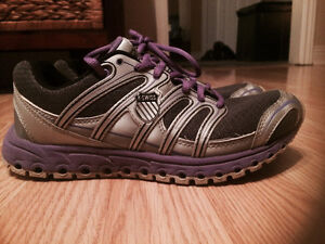COMFY Woman's K Swiss Running Shoes