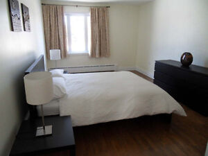 FURNISHED condo apartment - 3 bedrooms - excellent location West Island Greater Montréal image 5