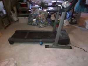 Pro-Form XP 580s Cross Trainer Treadmill (folding)