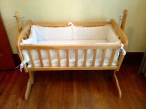 Maple Baby Bassinet Cradle Swing on Stand with Bedding, Infant