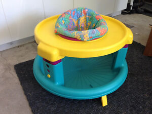 Soucoupe / exerciseur Evenflo pour bébé