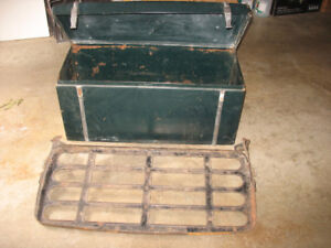 Vintage Car Trunk & Rack
