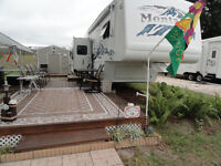 2005 Montanna 5th Wheel with 4 slide outs