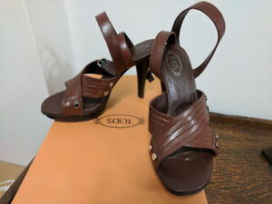 Tod's Brown Leather Open-toe Pumps