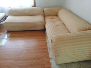 Sectional couch - FREE Needs to be picked up