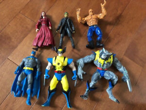 ABOUT 99 LOOSE SUPERHERO ACTION FIGURES, 7 VEHICLES