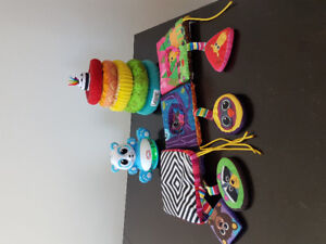 Lot jouets dès 6 mois