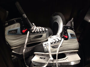 BAUER AND MISSION 4 SKATES London Ontario image 3