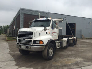 1998 Ford Aeromax Roll Off Truck